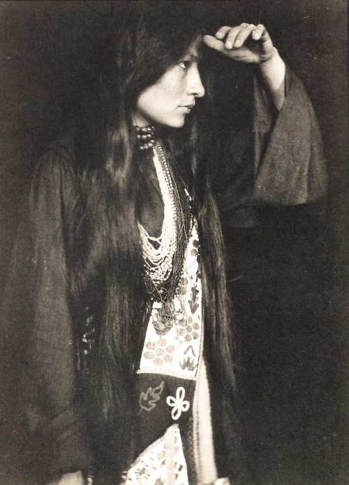 Photograph of Zitkala Sa looking into the distance by Gertrude Kasebier